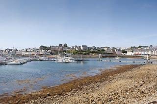 view across to Camaret-sur-Mer