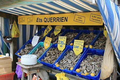 stall selling oysters at Cancale