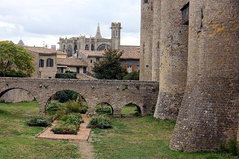 douves et jardins de Carcassonne