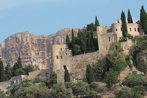 castle above Cassis
