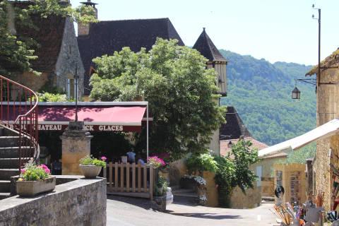 centre du village de Castelnaud la Chapelle