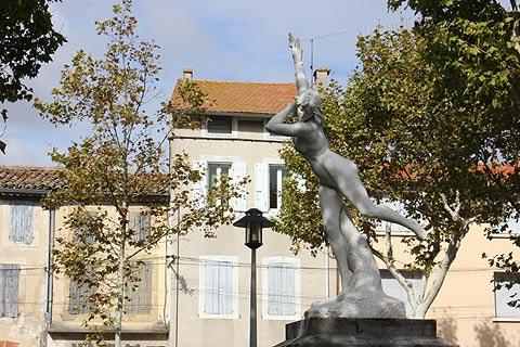 Statue in Castelnaudary town centre