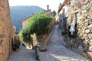 attractive-narrow-streets