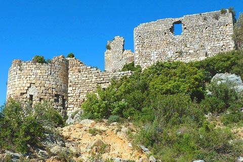 Ruined walls of Chateau d'Aguilar