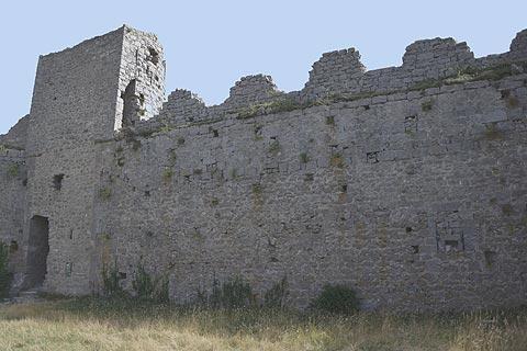 Château donjon au Château de Puilaurens