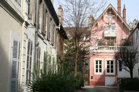 Quiet backstreet in Chalon-sur-Saone