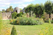 bourdilles-garden