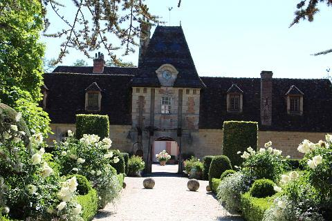 Entrance to Chateau de Boutemont