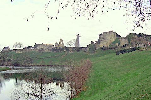 ue sur le château de Tiffauges