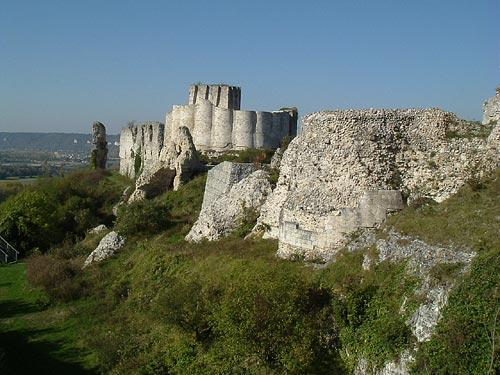Chateau gaillard france visitor information for Castles to stay in france
