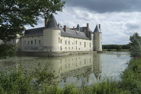 Pretty view of the Chateau de Plessis-Bourré