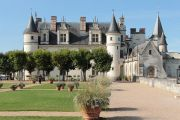 castle-and-gardens-2