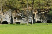 troglodyte-dwellings-1