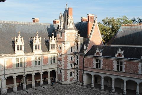 Cour interieur du chateau de Blois