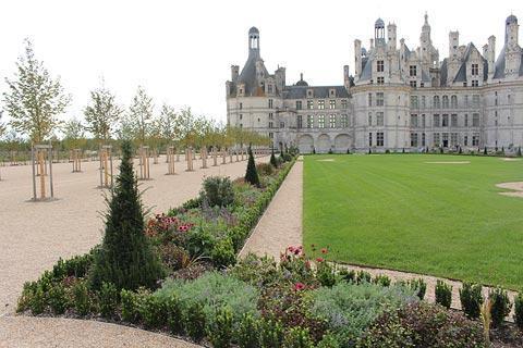 Jardins devant le château de Chambord