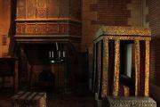 castle-interior