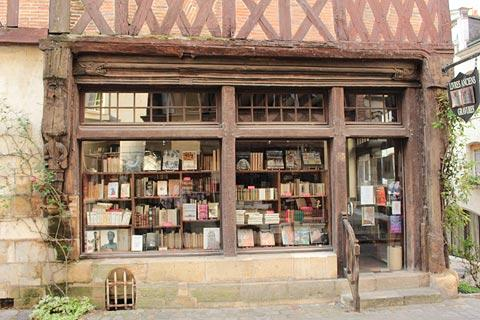 Old bookshop in Chinon