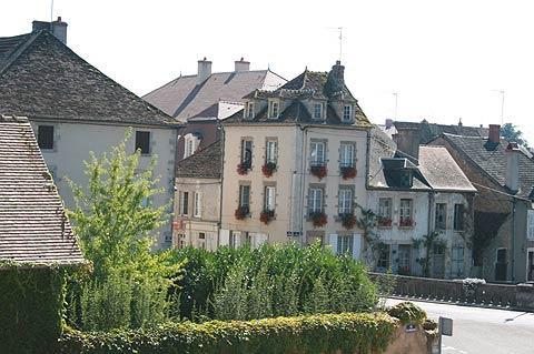 Centre ville de Corbigny