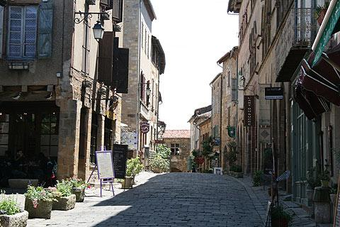 Cordes restaurants and shops