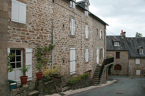 centre du village historique de Corrèze