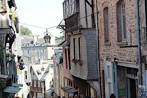 Rue du Jerzual dans le centre historique de Dinan
