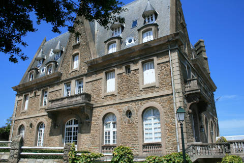 Chateaux des deux Rives on the Pointe du Moulinet in Dinard