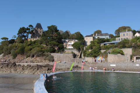 Open air pool in Dinard