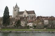 collegiale-across-river