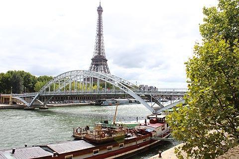 Tour Eiffel vue sur la Seine