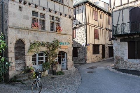 Pottery shop in centre of Entraygues-sur-Truyère