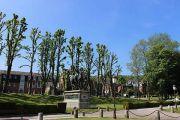 duc-orleans-statue