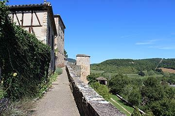 Puycelsi ramparts