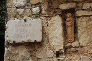 small-statue-niche
