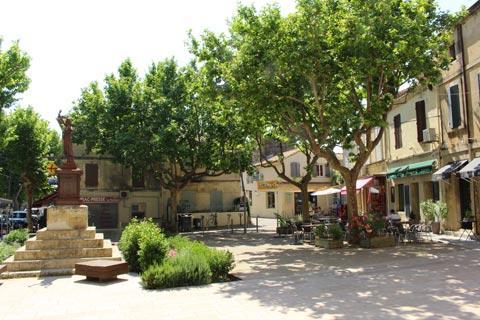 La place principale de Fontvieille