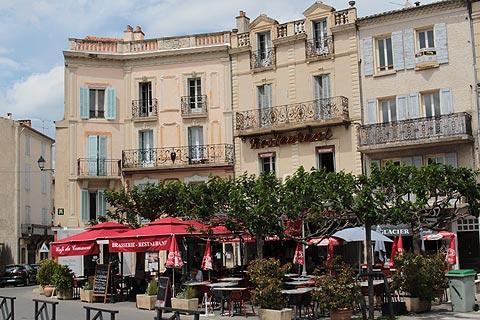 Place du Bourget, place principale à Forcalquier