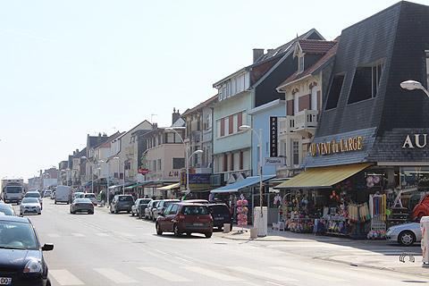 Main street through the town centre in Fort-Mahon-Plage