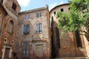courtyard-behind-abbey
