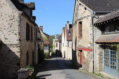 Rue calme à Gargilesse-Dampierre