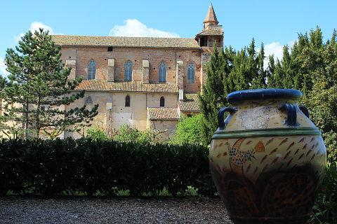 Giroussens pottery