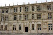chateau-grignan-facade