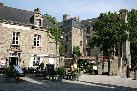 Cafes in the historic centre of Guerande