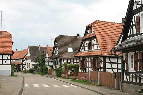 Pretty houses in Hunspach village centre