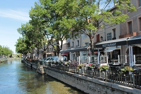 View along the river in L'Isle-sur-la-Sorgue