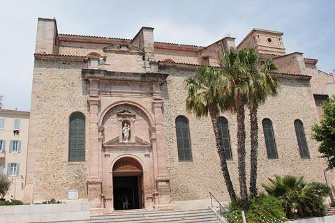 Eglise de Notre-Dame sur le port de La Ciotat