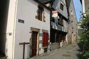 la-roche-bernard-old-town-1