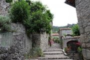 steep-village-street