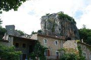 rock-in-village