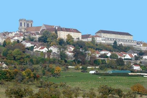 Des remparts et ville de Langres
