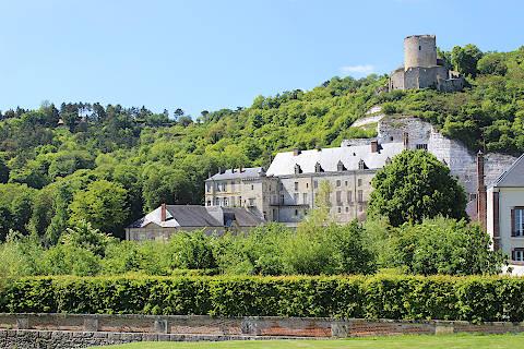 Vieux château et château neuf à La Roche-Guyon