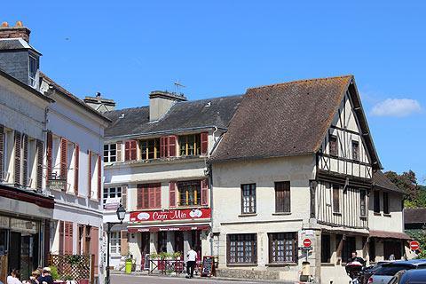 Centre du village de La Roche-Guyon
